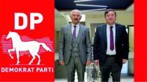 Mhp'den İstifa Etti Demokrat Partiye Geçti